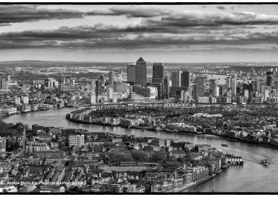 River Thames and Canary Wharf BW